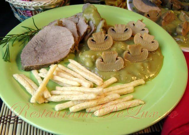 Reteta zilei: Carne de vita cu ciuperci