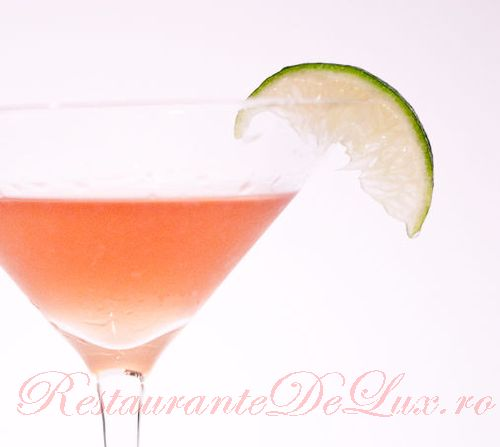 Cocktail Martini cu  suc de rodie
