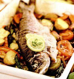 Păstrăv pe pat de legume