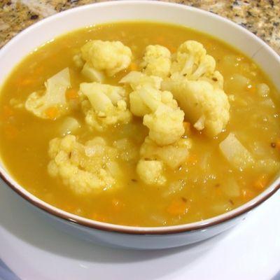 Supă de conopidă cu brânză