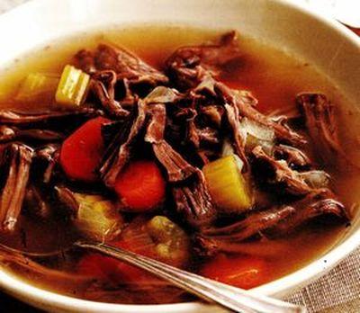 Supa de vita cu ardei si rosii
