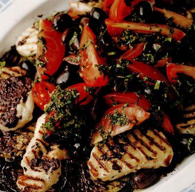 Haloumi la grătar cu salată de vinete