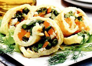 Ruladă din omletă cu legume