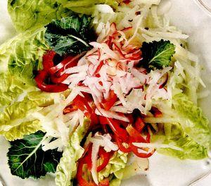 Salată crocantă cu gulii