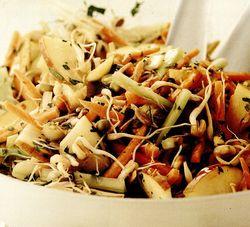 Salată orientală cu germeni