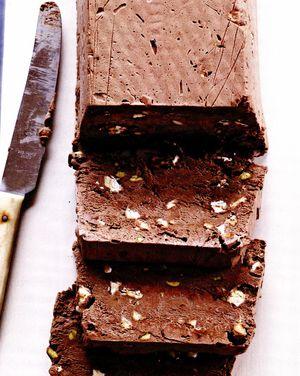 Semi-freddo cu ciocolată, fistic şi nuga