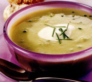 Supă de sparanghel şi mazăre