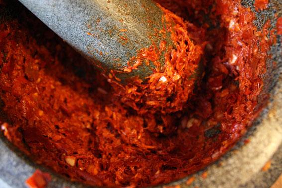 Pasta thailandeza rosie de curry