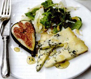 Salată de brânză şi smochine cu sos de miere