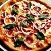 Pizza_picanta_cu_cârnati