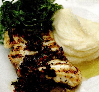 Scorpie-de-mare la grătar sau la tigaie, cu sos de măsline negre şi piure de lămâie