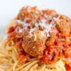 Spaghete_cu_sos_de_rosii_si_chiftelute_3.jpg