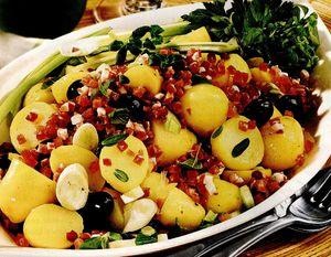 Salată cu şuncă şi cartofi