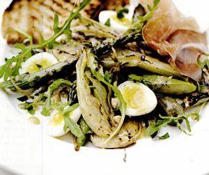 Salată de sparanghel cu seminţe de fenicul