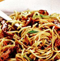 Spaghete cu piept de curcan