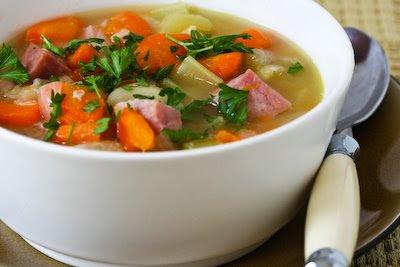 Supă cu germeni de fasole
