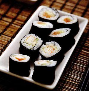 Rulouri nori cu sushi crud si pate de migdale