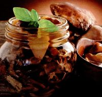 Ciuperci in saramura