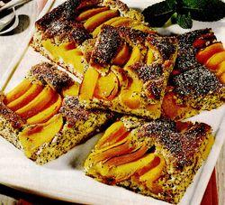 Prăjitură cu brânză şi piersici