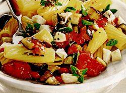 Salată cu paste şi vinete