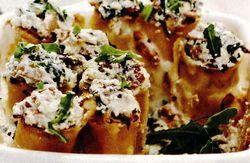 Cannelloni umplute cu ricotta