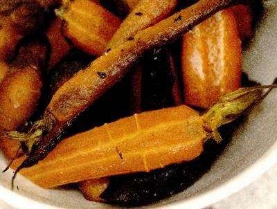 Morcovi întregi la cuptor