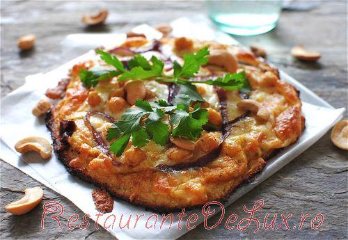Pizza_cu_blat_de_conopida_cu_naut_si_mozzarella_06
