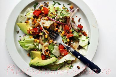 Salata_calda_de_legume_cu_avocado_14