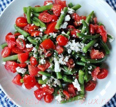 Salata_de_rosii_cherry_cu_fasole_verde_si_sos_de_menta_09