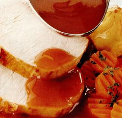 Retete_de_Craciun_Friptura_de_porc_cu_sos_morcovi_si_piure_de_cartofi