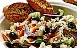 Salata_de_legume_cu_ceapa_rosie_si_albusuri