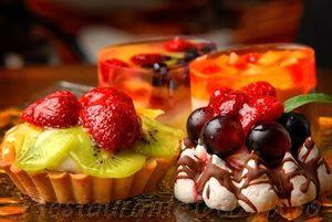 Tarta cu sarlota si fructe