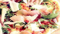 Pizza_cu_rucola_si_prosciutto