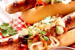 Hot_dogs_cu_avocado_si_salsa