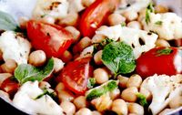 Chorizo_cu_naut_si_conopida