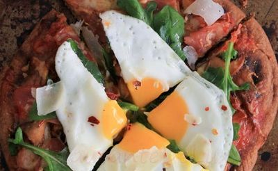 Pizza_cu_prosciutto_mozzarella_si_ou_15