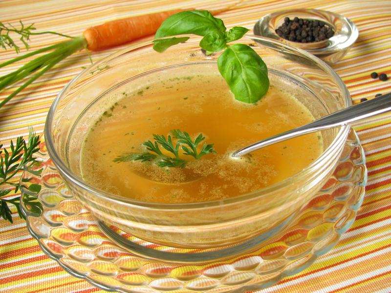 Supa usoara de pui si porumb