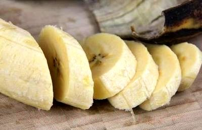 Cum se prepara Banane mexicane cu sos caramel