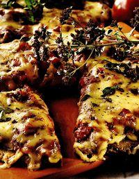 Pizza_cu_rosii_cherry_cimbru_si_mozzarella