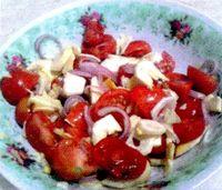 Salata_de_ciuperci_cu_ceapa_rosie_si_telina
