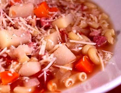 Supa_de_legume_cu_pancetta_si_paste_07