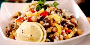 Salata vranceana cu fasole alba si fulgi de porumb