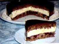 Tort_cu_mure_nuci_si_crema_de_vanilie
