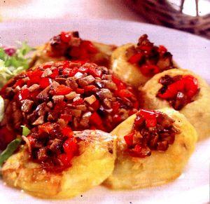 Cartofi_copti_umpluti_cu_ciuperci_si_ardei_gras