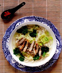 Porc_caramelizat_in_supa