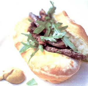 Sandwich_cu_friptura_rucola_si_rozmarin