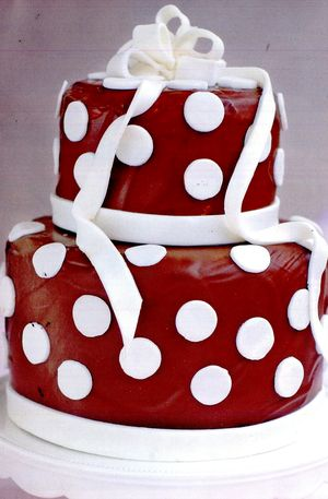 Tort_cu_ciocolata_vanilie_migdale_si_martipan