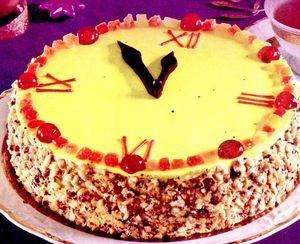 Tort_cu_crema_de_vanilie_si_fructe_confiate