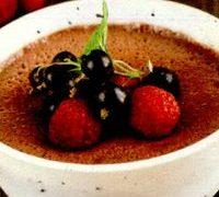 Spuma_de_ciocolata_cu_cafea_si_fructe