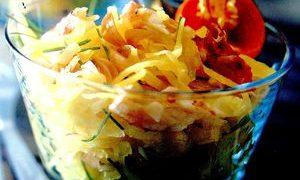 Salata_cu_mango_crabi_si_ardei_iute